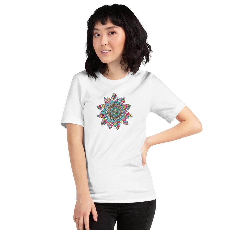 T-krekls ar mandalu
